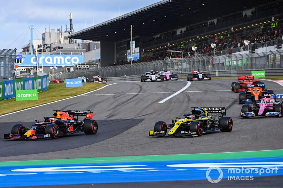"Max Verstappen, Red Bull Racing RB16, Daniel Ricciardo, Renault F1 Team R.S.20, Sergio Perez, Racing Point RP20, Carlos Sainz Jr., McLaren MCL35, Charles Leclerc, Ferrari SF1000<span class=""copyright"">Mark Sutton / Motorsport Images</span>"