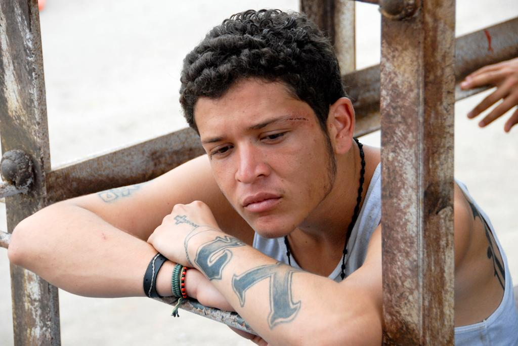 """<a href=""""http://movies.yahoo.com/movie/contributor/1810071408"""">Edgar Flores</a> in Focus Features' <a href=""""http://movies.yahoo.com/movie/1810048928/info"""">Sin Nombre</a> - 2009"""