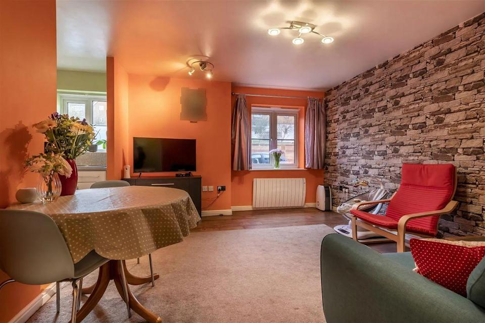<p>Interiors could do with a tasteful refresh, but this gives new owners the chance to put their own stamp on the property. </p>