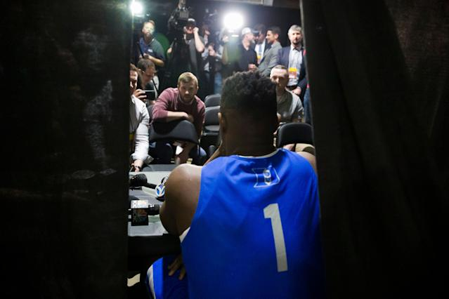 """<a class=""""link rapid-noclick-resp"""" href=""""/ncaab/players/147096/"""" data-ylk=""""slk:Zion Williamson"""">Zion Williamson</a> is the overwhelming favorite to the be the No. 1 pick in the upcoming NBA draft. (AP)"""