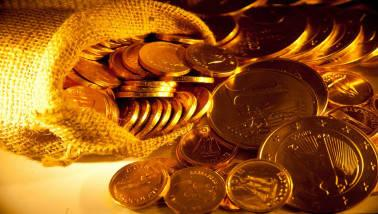 According to Angel Commodities, on Wednesday, spot gold prices traded flat at $1290.2 per ounce as prices rebounded from 4 and 1/2 - month low on Wednesday on short - covering as the U.S. dollar came off its 2018 highs and U.S. bond yields sat near multi - year peaks.