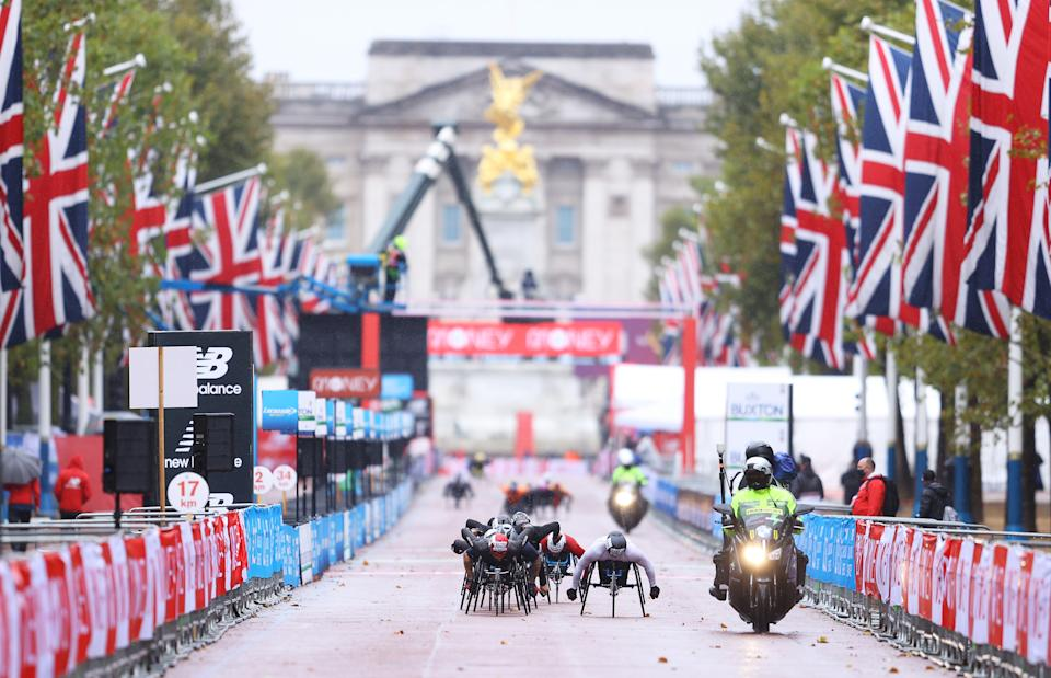 LONDON, ENGLAND - OCTOBER 04: General view as Brent Lakatos of Canada and John Boy Smith of Great Britain compete in the Wheelchair race during the 2020 Virgin Money London Marathon around St. James's Park on October 04, 2020 in London, England. The 40th Race will take place on a closed-loop circuit around St James's Park in central London. (Photo by Richard Heathcote/Getty Images)