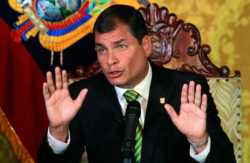Ecuador leader may insist on digital-only dailies