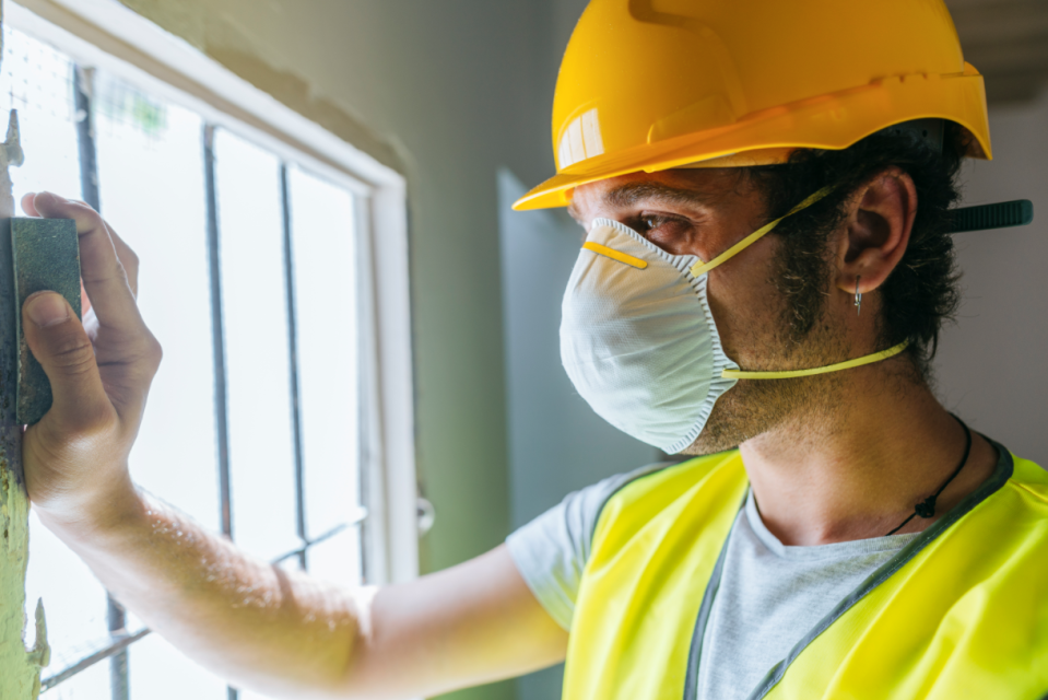 Molded masks are common across construction professionals. (Photo: Getty)