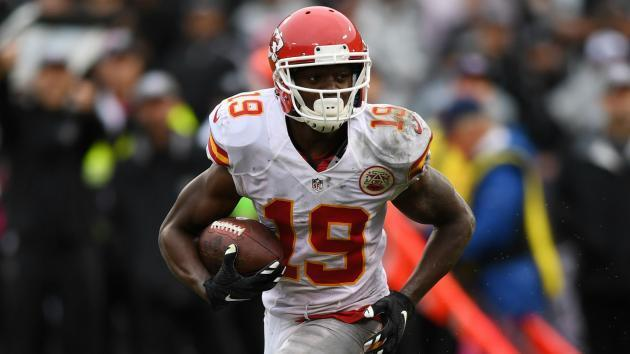 Chiefs make surprise move by releasing Jeremy Maclin