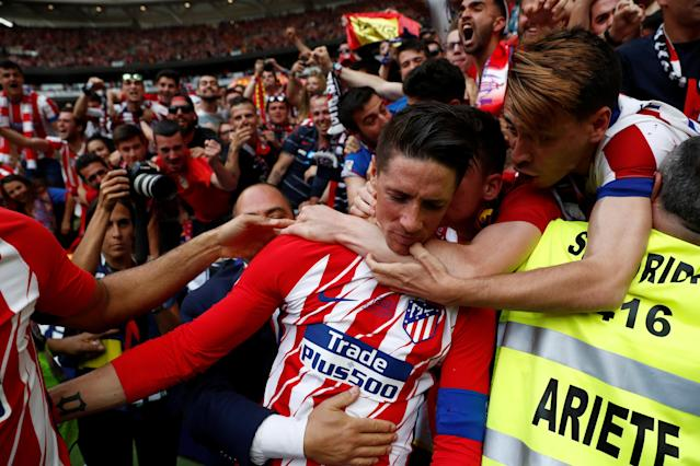 Soccer Football - La Liga Santander - Atletico Madrid vs Eibar - Wanda Metropolitano, Madrid, Spain - May 20, 2018 Atletico Madrid's Fernando Torres celebrates scoring their second goal REUTERS/Juan Medina