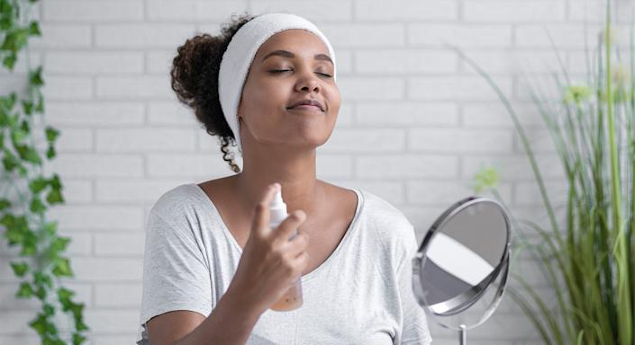 Want to give your skin a radiance boost? Sukin's Hydrating Mist Toner is tipped to be the beauty buy we need for a dewy and hydrated complexion. (Getty Images)