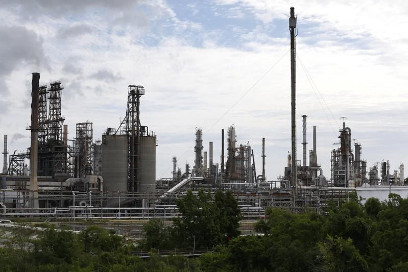 Phillips 66 says capital spending could fall in 2020