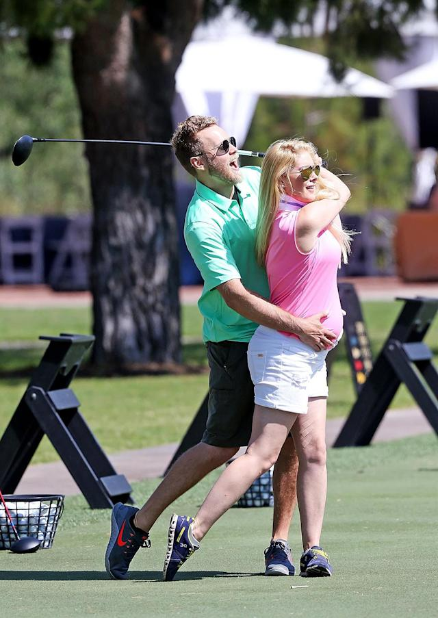 """<p>However, the pregnancy has not kept Heidi from getting out there to hit the links and, of course, be photographed. After all, this is the couple that literally wrote the book on <a href=""""https://www.amazon.com/How-Be-Famous-Looking-Becoming/dp/B003D7JTJU"""" rel=""""nofollow noopener"""" target=""""_blank"""" data-ylk=""""slk:how to be famous"""" class=""""link rapid-noclick-resp"""">how to be famous</a>. (Photo: Mr Plow/BACKGRID) </p>"""