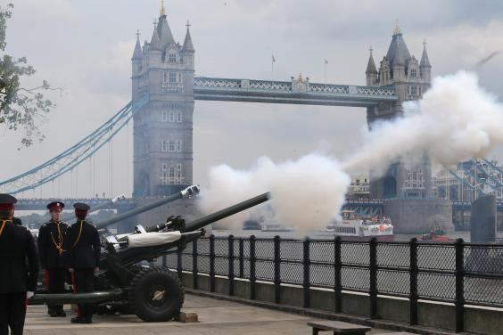 The Honourable Artillery Company fire a 62 round Royal Gun Salute outside the Tower of London to celebrate the birth of the royal baby on July 23, 2013 in London, England (Getty Images)