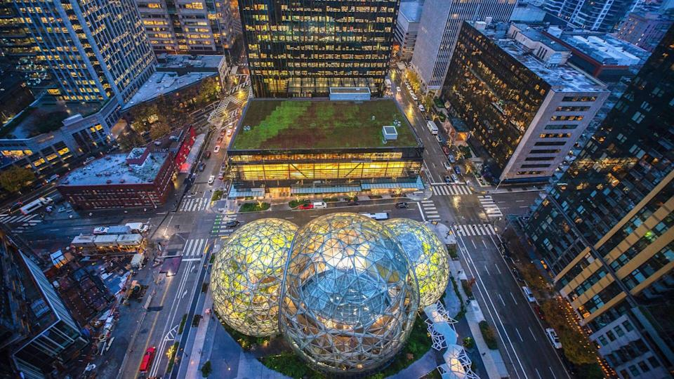 12/22/2018 : Aerial view of the Amazon Spheres at its Seattle headquarters and office towers in downtown Seattle WA D.