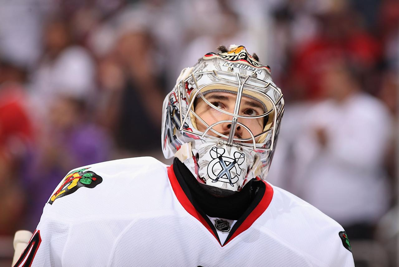 GLENDALE, AZ - APRIL 21:  Goaltender Corey Crawford #50 of the Chicago Blackhawks looks up at the video board in Game Five of the Western Conference Quarterfinals against the Phoenix Coyotes during the 2012 NHL Stanley Cup Playoffs at Jobing.com Arena on April 21, 2012 in Glendale, Arizona.  (Photo by Christian Petersen/Getty Images)