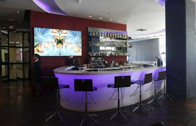 A view of the bar at the Royal Tulip hotel, where the England soccer team will be staying at during the 2014 World Cup, in front of Sao Conrado beach in Rio de Janeiro, February 18, 2014. REUTERS/Pilar Olivares(BRAZIL - Tags: SPORT SOCCER WORLD CUP)