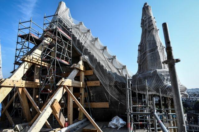 French architects want Notre-Dame roof rebuilt in wood