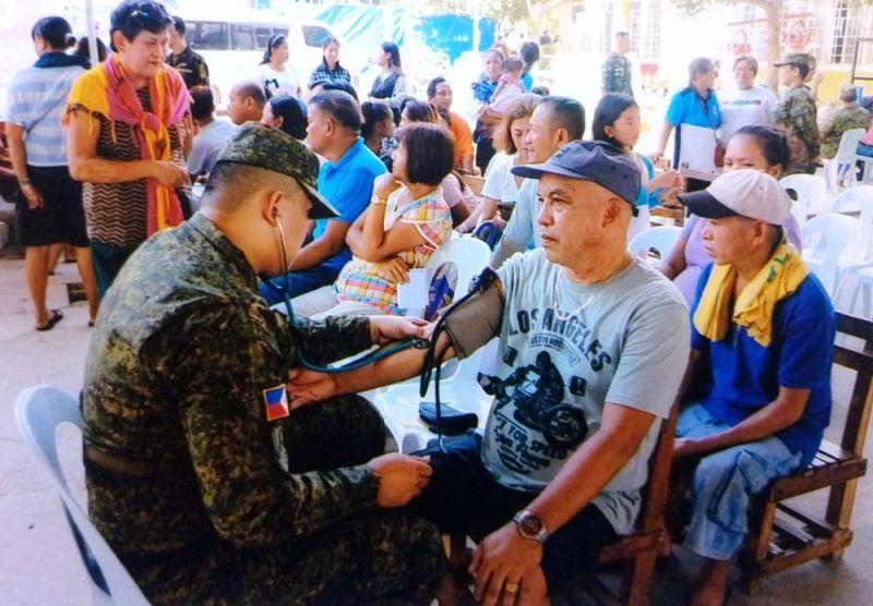 Military reservists conduct medical mission