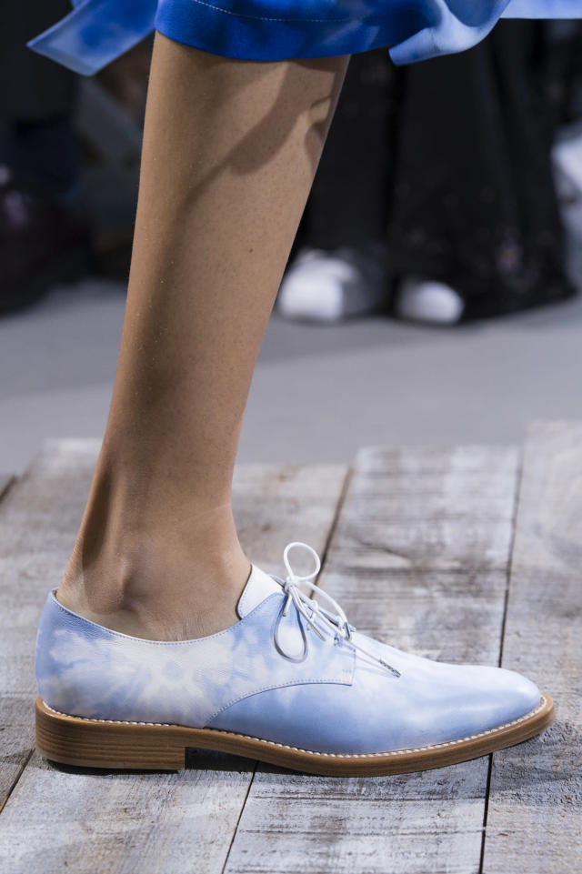 <p><i>Blue and white tie-dye shoe from the SS18 Michael Kors collection. (Photo: ImaxTree) </i></p>