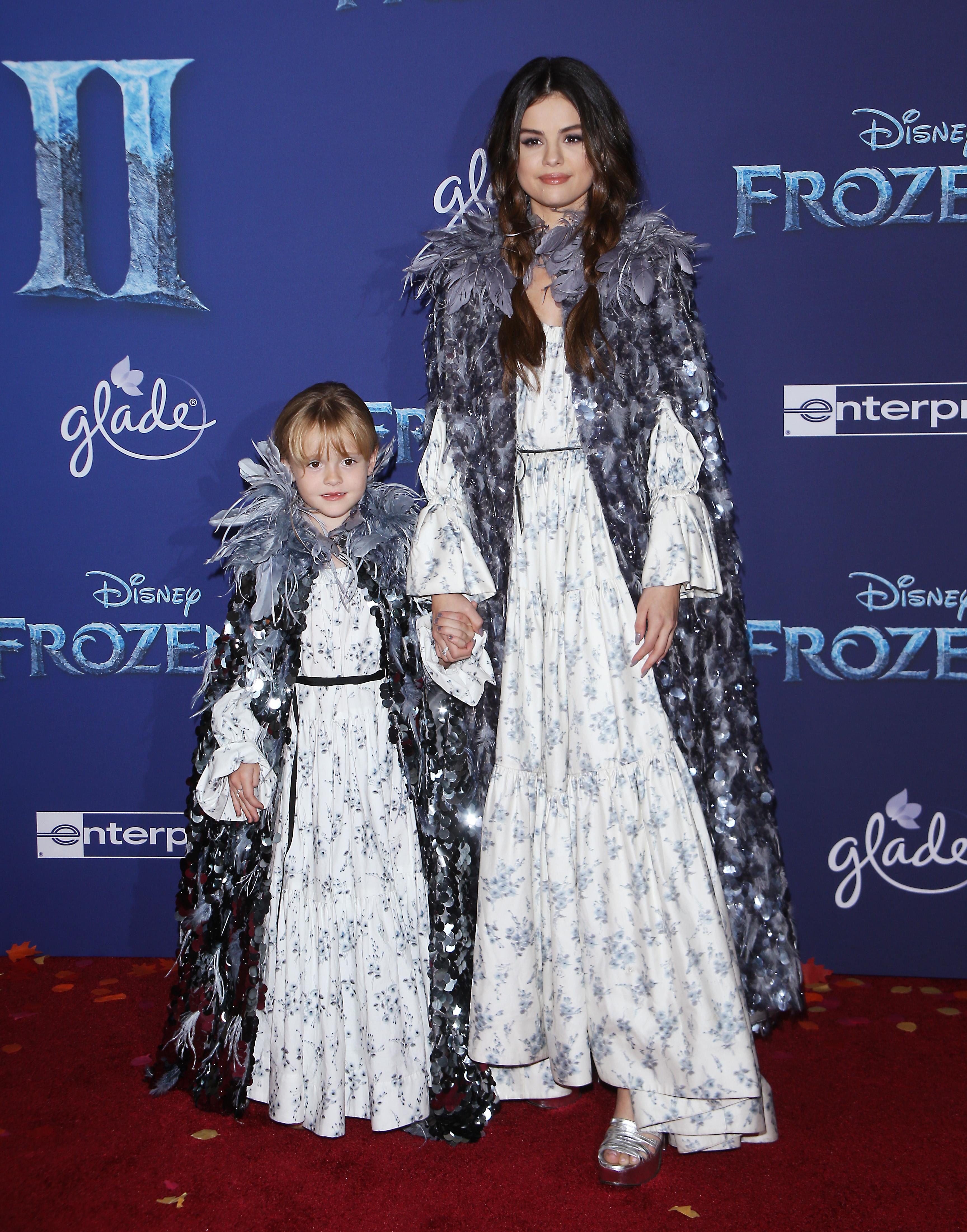 "HOLLYWOOD, CALIFORNIA - NOVEMBER 07: Selena Gomez and her little sister Grace Teefey attend the world premiere of Disney's ""Frozen 2"" held at Dolby Theatre on November 07, 2019 in Hollywood, California. (Photo by Michael Tran/FilmMagic)"
