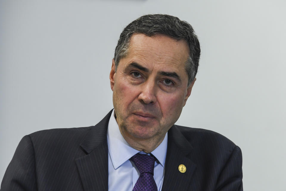 Brazil's Supreme Federal Court judge Luis Roberto Barroso offers a press conference to the foreign press in Rio de Janeiro, Brazil, on August 25, 2017. / AFP PHOTO / Apu Gomes        (Photo credit should read APU GOMES/AFP via Getty Images)