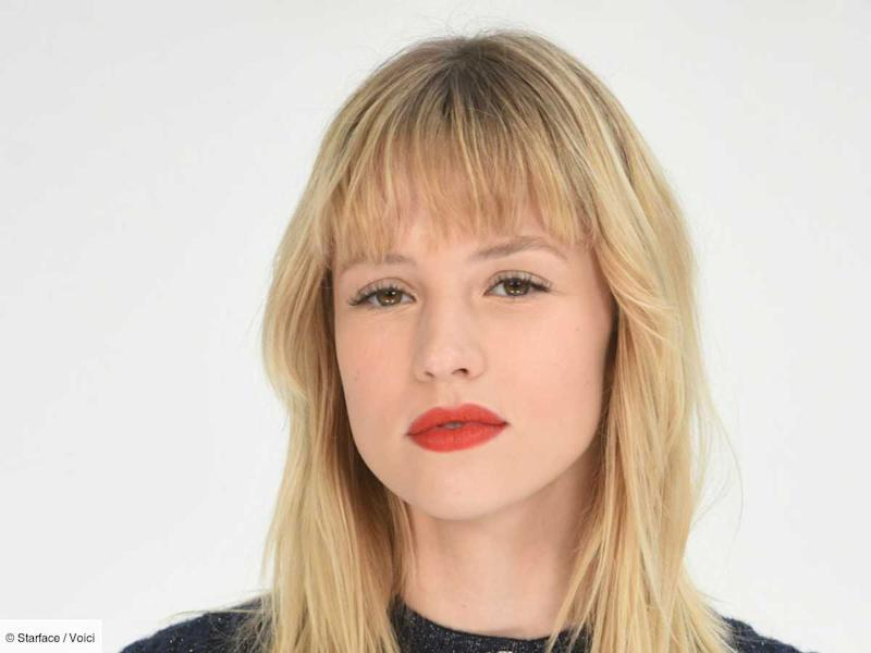 Angèle officialise sa relation avec une influenceuse