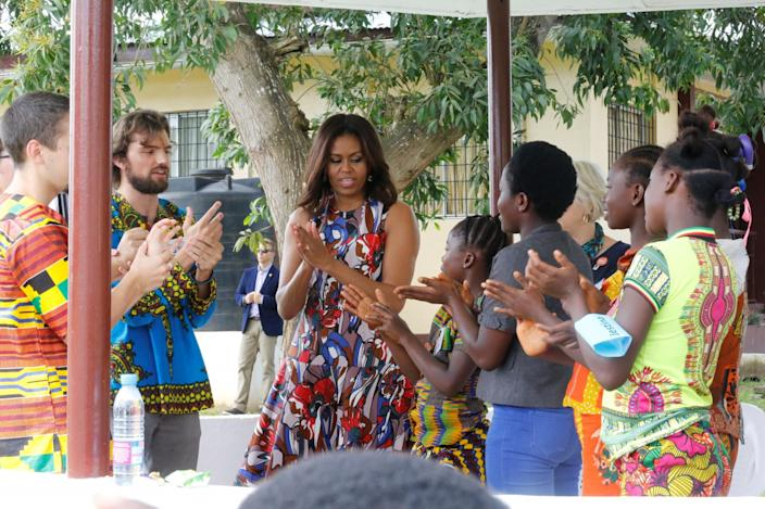 <p>U.S. first lady Michelle Obama washes her hands with students at the R.S. Caulfield School girls' center in Margibi County, Liberia, June 27, 2016. (REUTERS/Thierry Gouegnon) </p>