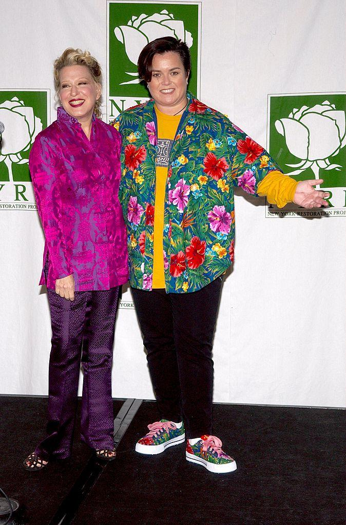 Bette Midler and Rosie O'Donnell appear at a 2002 event. (Photo: Lawrence Lucier/Getty Images)