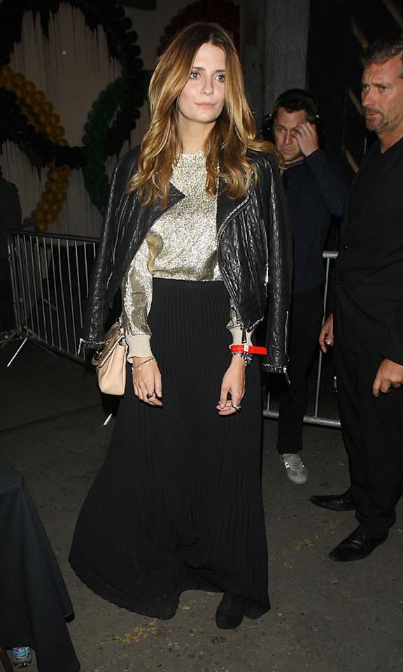 "Mischa Barton + lamé = lame. (8/2/2012)<br><br><a target=""_blank"" href=""http://twitter.com/YahooOmg"">Follow omg! on Twitter!</a>"