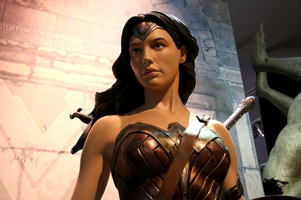 "<p>Another angle on the <a rel=""nofollow"" href=""https://www.yahoo.com/movies/tagged/wonder-woman"">Wonder Woman</a> costume you see as you enter the exhibit. (Photo: Jacob Kramer/Yahoo) </p>"
