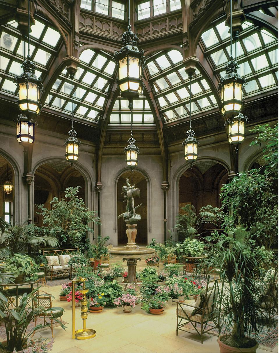 Like the orangeries before them, some conservatories are part of private homes, such as the Winter House at the Biltmore Estate in Asheville, North Carolina, completed in 1895.