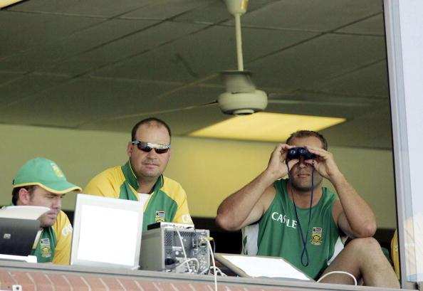 DURBAN, SOUTH AFRICA - DECEMBER 27:   Jacques Kallis and Mickey Arthur look on during day two of the Second test between South Africa and India at the Sahara Stadium on December 27, 2006 in Durban, South Africa. (Photo by Gallo Images/Getty Images)