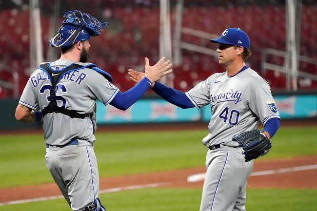 Padres acquire Trevor Rosenthal in trade with Royals