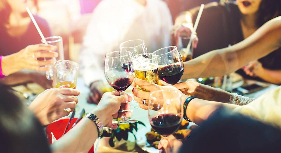 A Twitter thread highlighted the pressure non-drinkers feel in social situations. [Photo: Getty]