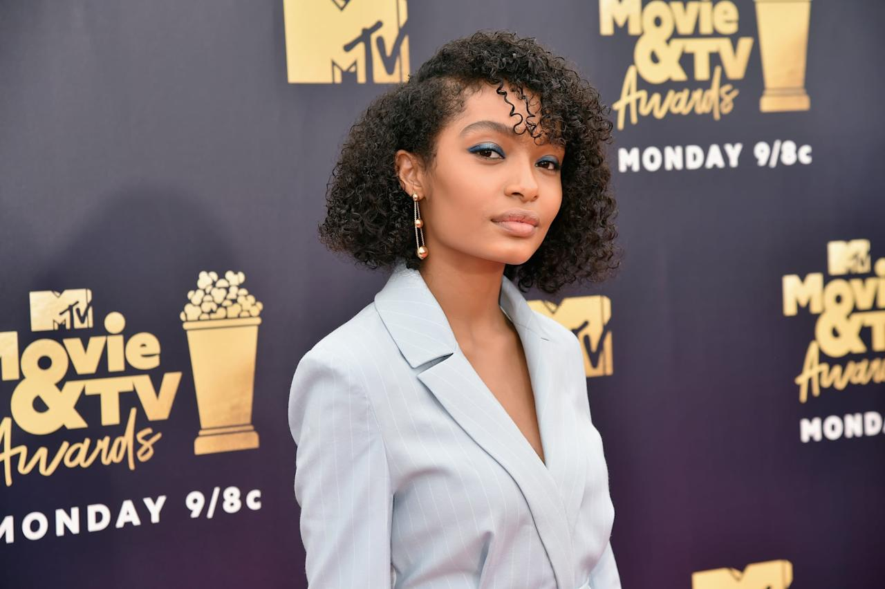 <p>Yara Shahidi's blunt, curly bob looked so cool at the MTV Movie &amp; TV Awards in 2018.</p>