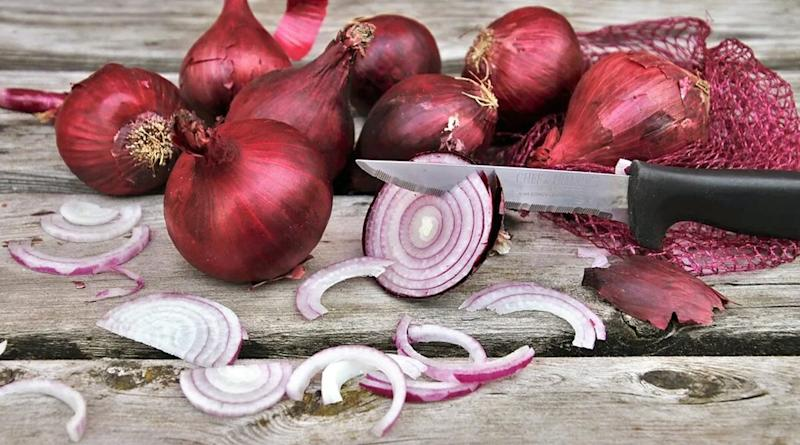 Salmonella Outbreak-Red Onions Connection? Salmonella Outbreak in US and Canada Linked to Red Onions Consumption Affecting Nearly 400 People in 34 States, Here's What You Should Know
