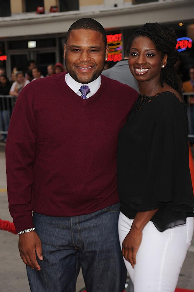 """<a href=""""http://movies.yahoo.com/movie/contributor/1800413166"""">Anthony Anderson</a> and guest at the Los Angeles premiere of <a href=""""http://movies.yahoo.com/movie/1810107558/info"""">The Back-up Plan</a> - 04/21/2010"""