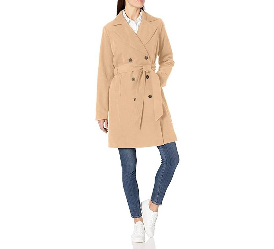 Amazon Essentials Women's Water Resistant Trench Coat (Photo: Amazon)