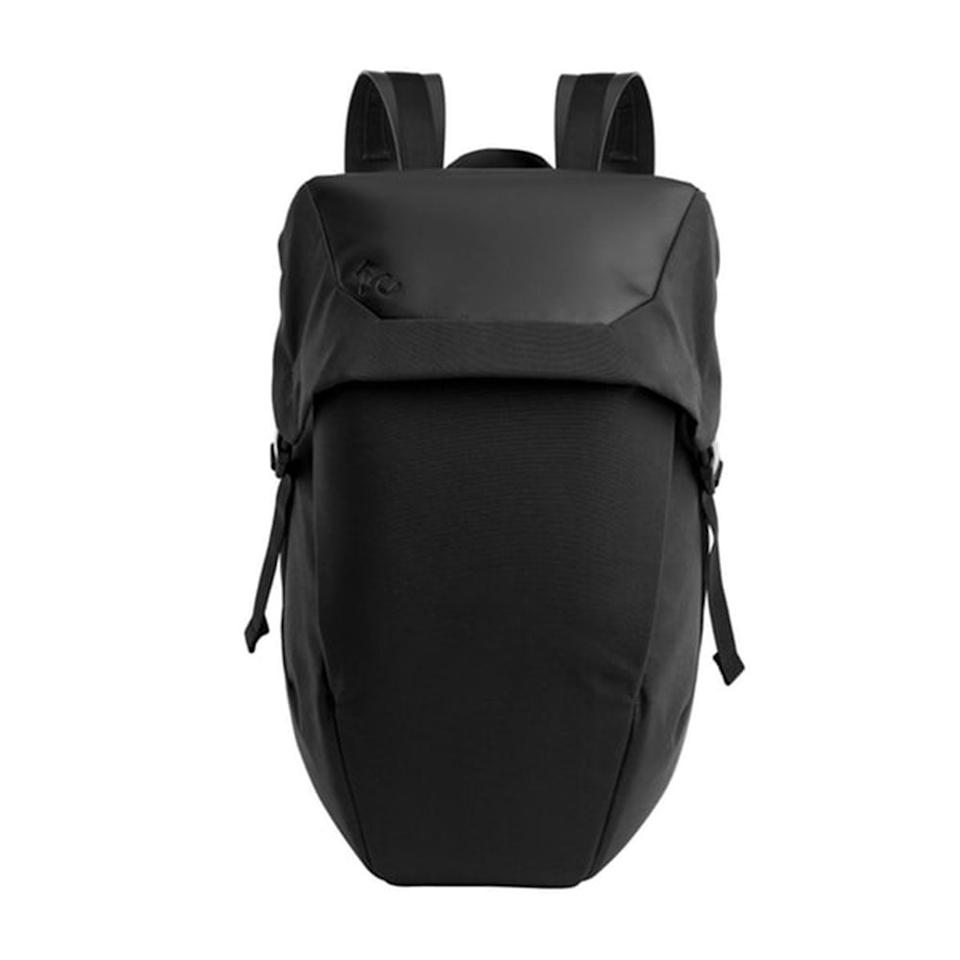 "<p>huckberry.com<br>$160.98</p><p><a class=""body-btn-link"" href=""https://go.redirectingat.com?id=74968X1596630&url=https%3A%2F%2Fhuckberry.com%2Fstore%2Fryu%2Fcategory%2Fp%2F57219-locker-pack-lux-24l&sref=http%3A%2F%2Fwww.menshealth.com%2Fstyle%2Fg19548449%2Fbest-gym-bags-for-men%2F"" target=""_blank"">BUY IT HERE</a></p><p>Don't let the minimalist exterior of this backpack fool you. Inside you'll find ample space with multiple compartments for everything, from your 15"" laptop to your smart phone charging accessories. </p>"