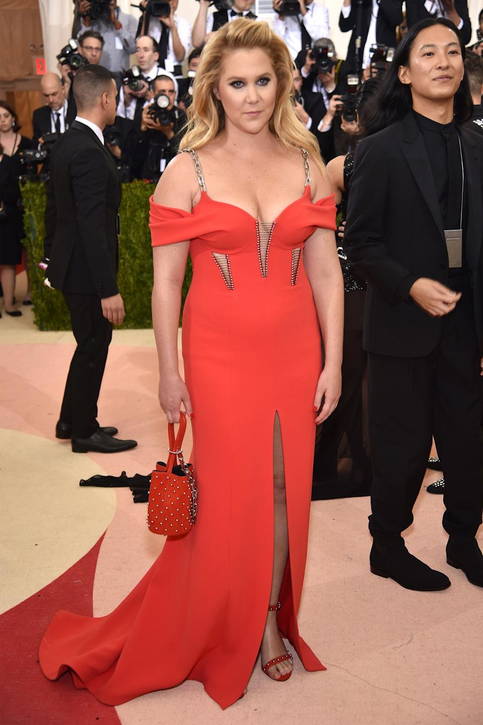 """<h1 class=""""title"""">Amy Schumer in Alexander Wang</h1><cite class=""""credit"""">Photo: Getty Images</cite>"""
