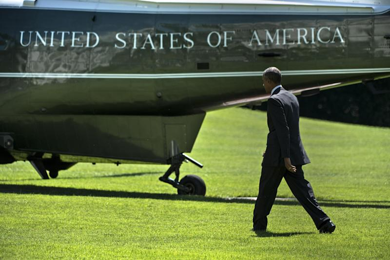 US President Barack Obama walks to Marine One on the South Lawn of the White Houseon August 29, 2014 in Washington, DC (AFP Photo/Brendan Smialowski)