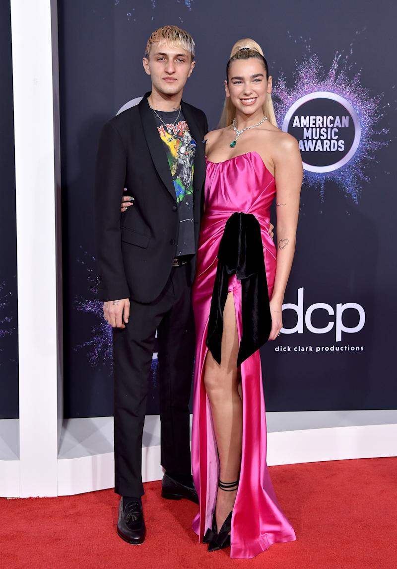 LOS ANGELES, CALIFORNIA - NOVEMBER 24: Anwar Hadid and Dua Lipa attend the 2019 American Music Awards at Microsoft Theater on November 24, 2019 in Los Angeles, California. (Photo by Axelle/Bauer-Griffin/FilmMagic )