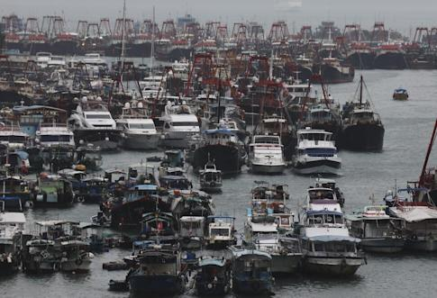 Boats moored in Aberdeen Typhoon Shelter after the No 8 signal was raised in Hong Kong for Tropical Storm Nangka. Photo: Felix Wong