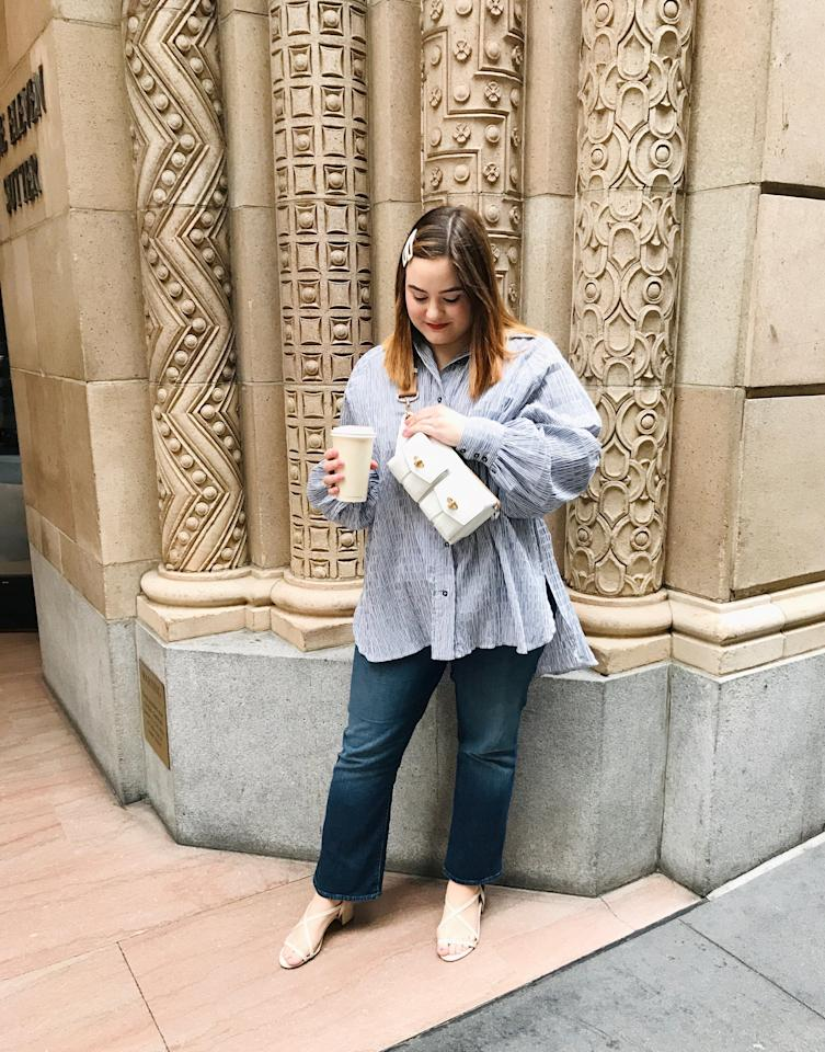 <p>I love that I can easily walk around hands-free, so if I'm carrying a coffee cup or another item (most likely a shopping bag, in my case), I'm not constantly adjusting. This piece would be great to take on trips where you'll be walking around a lot. </p>
