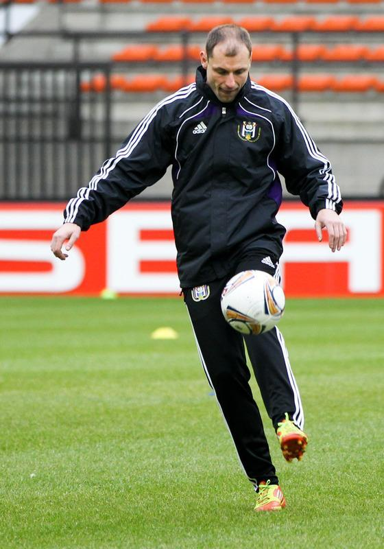 Anderlecht's Milan Jovanovic kicks the ball during a training session in Anderlecht on February 22, 2012, on the eve of the UEFA Europa league, round of 32, second leg football match between Anderlecht and AZ Alkmaar. AZ Alkmaar won the first leg 1-0. AFP PHOTO / BELGA / VIRGINIE LEFOUR ***BELGIUM OUT***