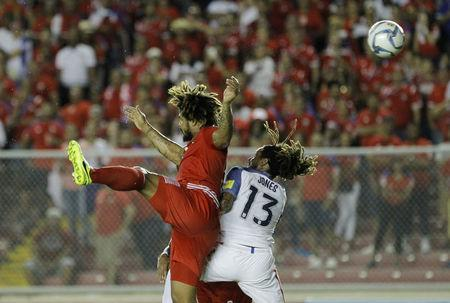 Football Soccer - Panama v USA - World Cup 2018 Qualifiers - Rommel Fernandez stadium, Panama city, 28/3/17. Jermaine Jones of the U.S. and Roman Torres of Panama in action. REUTERS/Juan Carlos Ulate