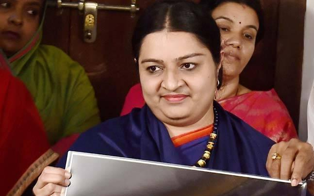 RK Nagar by-poll: 'Traitor' Sasikala's 'benami' government will be chucked out, says Jaya's niece Deepa Jayakumar