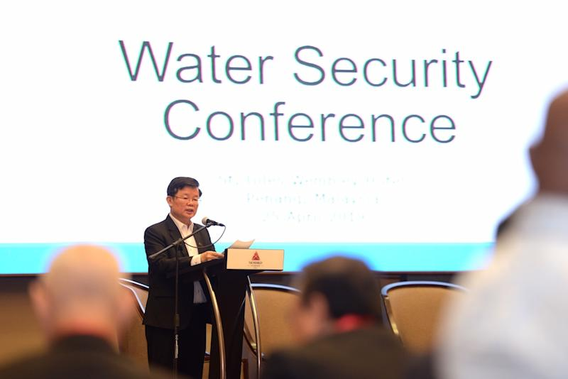 Chow said there were proposals from the private sector to implement the Sungai Perak Raw Water Transfer Scheme. — Picture by Steven KE Ooi