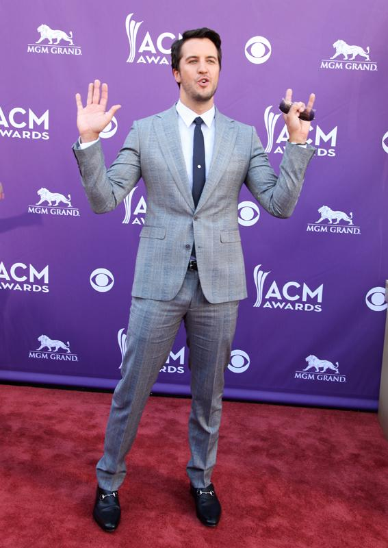 LUKE BRYAN, Live from the RAM Red Carpet, 47th Annual ACM Awards, Las Vegas, NV