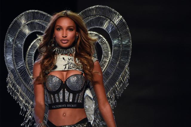 Jasmine Tookes (FRED DUFOUR via Getty Images)