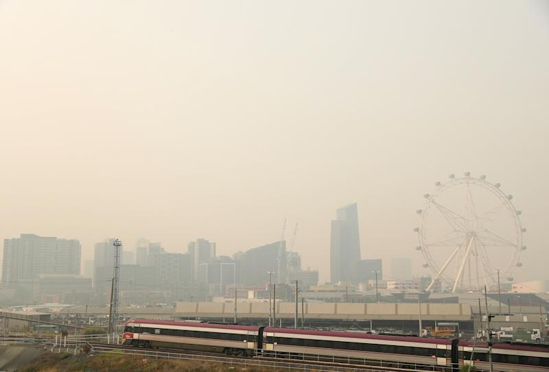 MELBOURNE, AUSTRALIA - JANUARY 15: Smoke from bushfires covers the Melbourne CBD on January 15, 2020 in Melbourne, Australia. Smoke from the East Gippsland and New South Wales Fires continues to leave a blanket of smoke haze over Melbourne resulting in hazardous air quality. (Photo by Robert Cianflone/Getty Images) (Photo: Robert Cianflone via Getty Images)