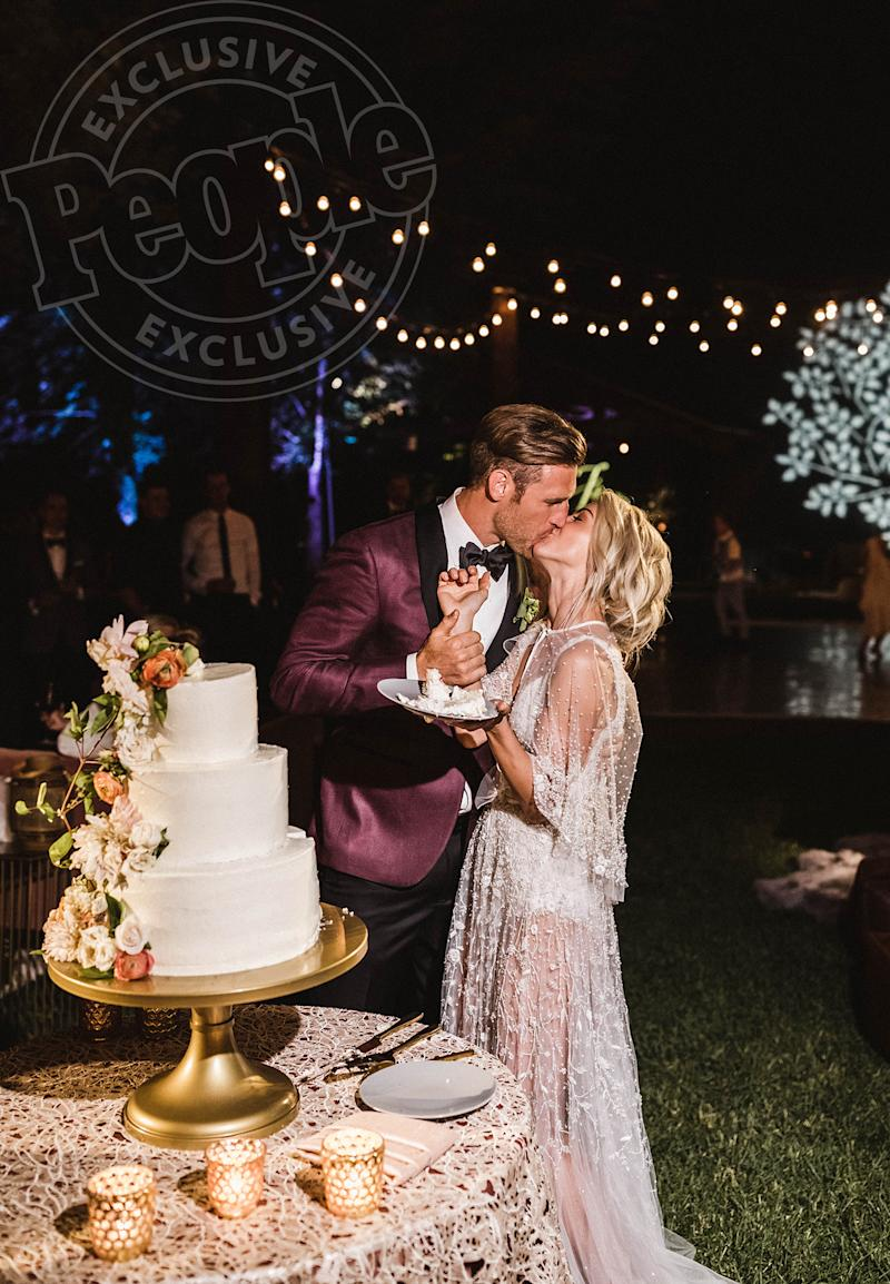 Inside julianne hough 39 s perfect wedding to brooks laich for Julianne hough wedding pictures