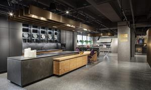 The Snaidero USA New York showroom redesign by the award-winning team of Mario Mazzer Architects is now open.